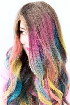 Loving this multi crayola hairstyle!