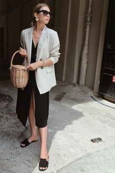 bcb078ac93 How To Wear Your Straw Bag This Fall. Blazer Outfits ...