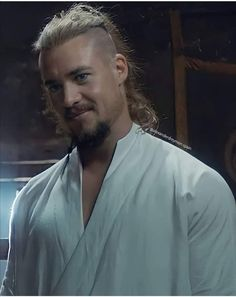 Uhtred Of Bebbanburg, Alexander Dreymon, Lost Tv Show, The Last Kingdom, Good Looking Men, Victorious, Thinking Of You, How To Look Better, Photo And Video