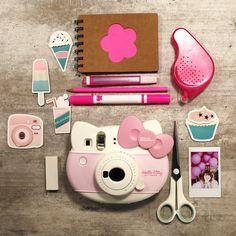 die süße instax mini 8 Hello Kitty mit Scrapbooking Freunden!