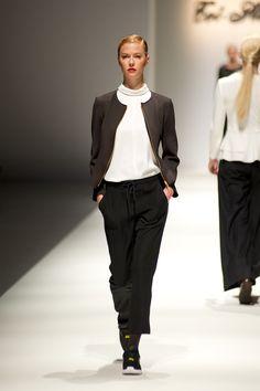 Tot-hom_FW14_7 #tothom #tot-hom #pretaporter #lineaa #modamujer #moda #fashion #desfile #fw14 #Barcelona #Madrid #tendencia #streetstyle #model #modelo #sneaker #blucher #abrigo #pantalonpitillo #vestido