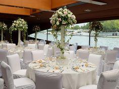 Repas de mariage sur la Seine à Paris