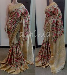 This saree inspire a rich and trendy look. The simple design and the elegant shade of tjis saree brings pure satisfaction to eyes. Indian Bridal Lehenga, Pakistani Bridal Wear, Indian Sarees, Ethnic Sarees, Simple Sarees, Trendy Sarees, Floral Print Sarees, Printed Sarees, Indian Attire