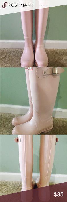 Spotted while shopping on Poshmark: Blush hunter rain boots! #poshmark #fashion #shopping #style #Hunter Boots #Shoes