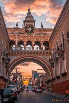 Edificio de Correos y Telégrafos.  Zona 1 de la Ciudad de Guatemala
