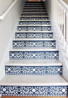 Just when you thought you'd seen every cool staircase update out there, someone does this!