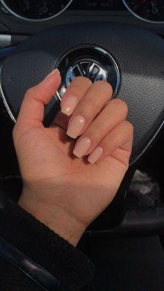 Pin on makeup / hair / nails - Nageldesign - Nail Art - Nagellack - Nail Polish - Nailart - Nails Aycrlic Nails, Chic Nails, Hair And Nails, Nude Nails, Nexgen Nails Colors, Fake Gel Nails, Stiletto Nails, Short Fake Nails, Pink Gel Nails