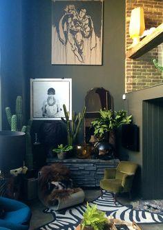 Abigail Ahern's Living Room Wall Before + After — – Lounge – Home Decor Sala Vintage, Vintage Home Decor, Living Room Inspiration, Interior Design Inspiration, Home Interior, Interior And Exterior, Interior Paint, My Living Room, Living Room Decor