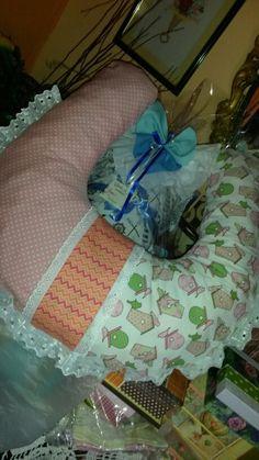 Almohada para bebe..de amamantar