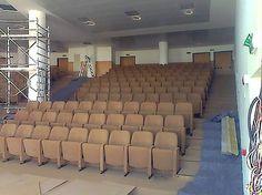 Abbiamo consegnato alla #ScuolaMarescialli di #Firenze il nuovo #Auditorium; uno stile tutto nuovo, con le #poltrone Alfa design che coniugano #eleganza e #comodità. #barciulliarreda