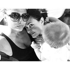 #MariaMazza Maria Mazza: Buon compleanno ad una donna che amo più di me stessa , la mia metà , mia sorella @elvimax ( siamo distrutte da tre neonati) #me #mariamazza #sorella #auguri #compleanno #tiamo #blackandwhite