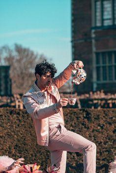 For everything Jonas Brothers check out Iomoio Joe Jonas, Jonas Brothers, Bae, Kellan Lutz, Raining Men, Celebs, Celebrities, Blue Aesthetic, Zayn Malik