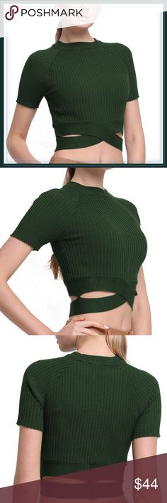 NWT High Mock neck ribbed criss cross crop top ➖NWT  ➖SIZE: Small, Medium, Large  ➖STYLE: A green ribbed knit crop top cozy sweater Knit material that has a unique criss cross design at the bottom.   ❌NO TRADE 312432 Tops Crop Tops