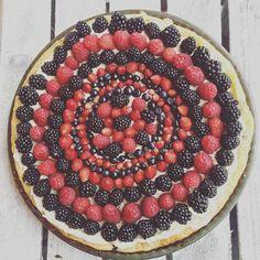 Tart full of berries