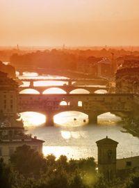 Ponte Vecchio im Abendlicht (Foto: iStock/Flory)