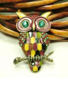 Gold Owl Brooches pictures