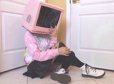 pink, grunge, and tv image