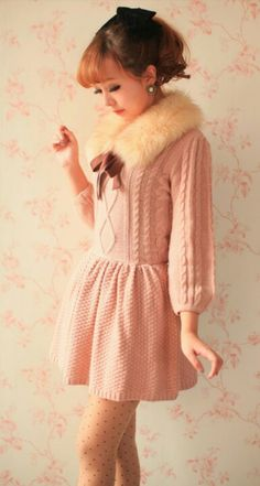 I love sweater dresses - and that fur collar - perfect
