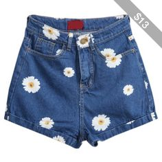 Pockets Daisy Print Denim Shorts