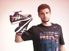 Grigor Dimitrov shows off new Nike Flame apparel