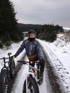 Fat-bike Wales above snow line