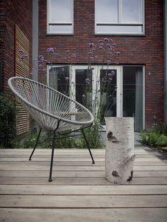 Tuinontwerp moderne tuin met houten terras   modern garden design by De Peppels