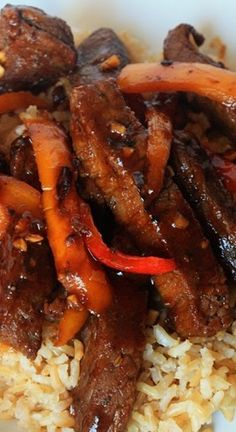 BBQ Pepper Steak Recipe ~ Classic pepper steak gets a twist with BBQ sauce! 20 minutes from stove to table!