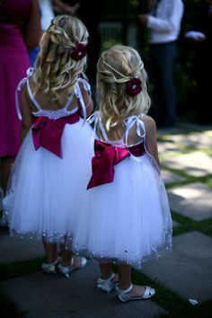 Flower Girls Hair curled with hand made flower hair clip