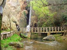 Monasterio de Piedra (Zaragoza) Places In Spain, Future Travel, Garden Bridge, Travel Around, Beautiful Landscapes, Valencia, Waterfall, Places To Visit, Zaragoza