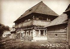 Čičmany pred 100 rokmi  #praveslovenske #cicmany #historia #tradicie #folklor Nassau, Czech Republic, Old Photos, Westerns, Louvre, Europe, House Styles, Building, Travel