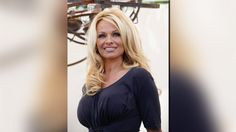 "#Pamela #Anderson urges people to give up #porn...""Public hazard, corrosive on soul""..."
