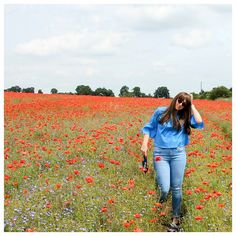Poppy dreams and awkward posing - seriously how pretty is this backdrop