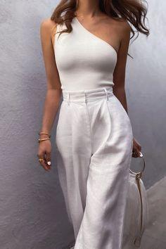 Looks Chic, Looks Style, Classy Looks, Fashion Mode, Look Fashion, Classy Fashion, Elegance Fashion, Fashion Basics, Club Fashion