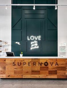 Salon: Supernova Salon, North Vancouver, B.C. Category/Catégorie: Salon Interior Design | Design d'intérieur Designer: House of Bohn Design Photos: Provoke Studios {igallery id=5153|cid=1637|pid=2|type=category|children=0|addlinks=0|tags=|limit=0}...