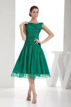Bateau neckline sleeveless chiffon dress