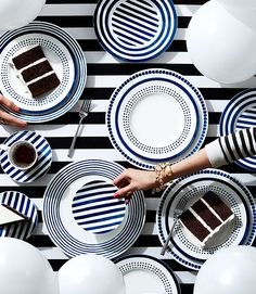 Check out the place setting I created using the Bloomingdale's table styler.