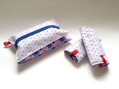 This gift set consisting of two reversible, two sided drible bibs for a carrier and diaper clutch with elastic band is perfect for your favorite new mom and her fashionable needs. Reversible dribble bibs are made very absobable and can be used on both sides. Diaper clutch with pracical elastic band has two pockets and can be used both for dipers and wipes. The clutch is large enough to store 3-5 dipers depending on size and a normal sized wipe packet.