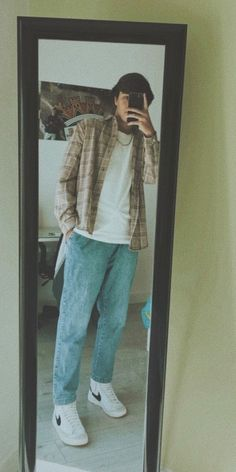 Street Style Outfits Men, Trendy Boy Outfits, Swaggy Outfits, Indie Outfits, Retro Outfits, Cool Outfits, 80s Fashion Men, Teenage Boy Fashion, Mode Streetwear