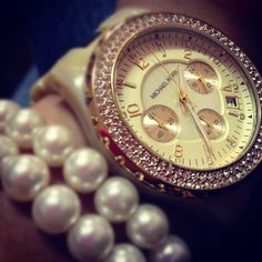 MK and pearls. <3