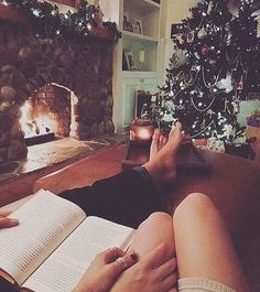 Perfect winter date idea! Christmas Couple, Cozy Christmas, Christmas Ideas, Cute Couples Goals, Couple Goals, Cute Relationships, Relationship Goals, Nightmare Before Christmas, Winter Date