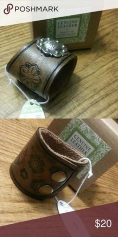 """(Kids) leather cuff Size 6 1/4"""" gIft boxed,  Genuine leather flower stamped,  western concho handmade Accessories"""