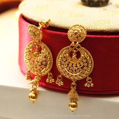 Delicate Dainty jewelry simple,Jewelry vintage photography and Jewelry necklace indian. Latest Earrings Design, Gold Earrings Designs, Gold Jewellery Design, Necklace Designs, Gold Designs, Fancy Jewellery, Designer Jewellery, Turquoise Jewelry, Gold Jewelry