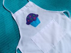 Hey, I found this really awesome Etsy listing at https://www.etsy.com/listing/158691008/kids-cupcake-apron