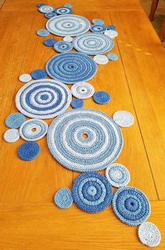 The Effective Pictures We Offer You About crochet A quality picture can tell you many things. Crochet Circles, Crochet Motif, Crochet Doilies, Crochet Stitches, Crochet Home, Crochet Crafts, Yarn Crafts, Crochet Projects, Crochet Table Mat