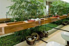banheiro bancada madeira assim eu gosto