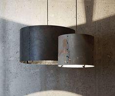 Rock is een seriearmaturen van het Belgische merk Wever & Ducré. Rock Collection is het resultaat vaneen dynamischesamenwerkingtussen Wever & Ducre en 13&9. One-of-a-kind lampenkappenvanflinterdunsteenfineer. Metde toepassing van steen als uniek materiaalisde RockCollection de definitie van minimalisme en innovatie. Door het dunne oppervlak en de natuurlijke eigenschappen van het materiaalcreëert iedere lampenkap eenuniek en subtiellichteffect.Een …