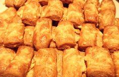 Φτιάξτε τα δικά σας μπατόν σαλέ! Cookie Recipes, Snack Recipes, Snacks, Cookie Dough Pie, Finger Foods, Biscuits, Sweet Tooth, Deserts, Chips