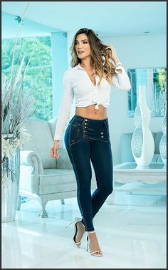 Sexy Jeans, Denim Jeans, Skinny Jeans, Sewing Clothes, High Waist Jeans, Bell Bottom Jeans, Fashion Photography, Pants For Women, Fashion Dresses