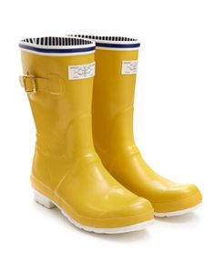 Joules Womens Nautical Rain Boots, Yellow.                     For strolling across the sand, trampling through the high tide or looting rockpools with the little ones, our new Seafarer Wellies will keep you covered in nautical style and comfort.