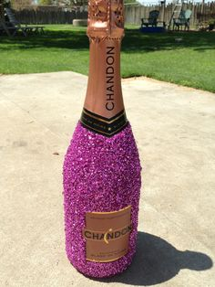 Sparkles on champagne | #TreatYoSelf | #ParksandRec